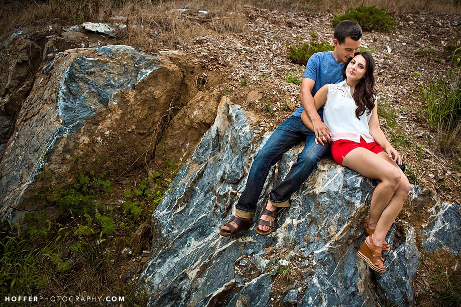 eagles-ridge-lancaster-engagement-photos-rustic-barn-01