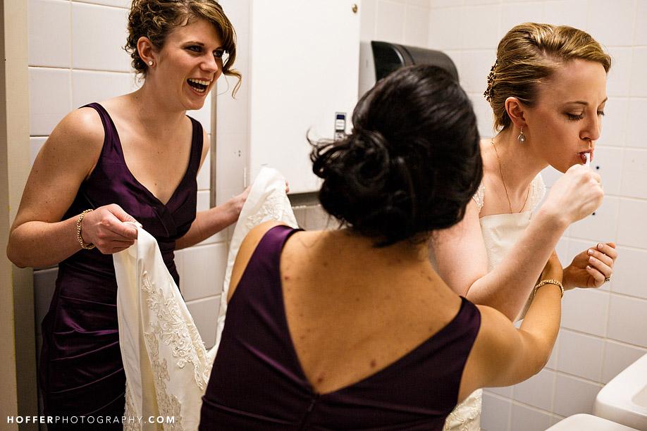 victoria-mykel-lehigh-university-iacocca-hall-wedding-photos-07