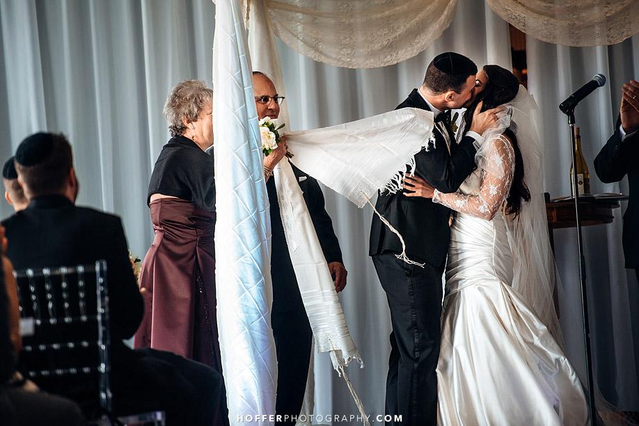Klein-Downtown-Club-Philadelphia-Wedding-Photographers-022