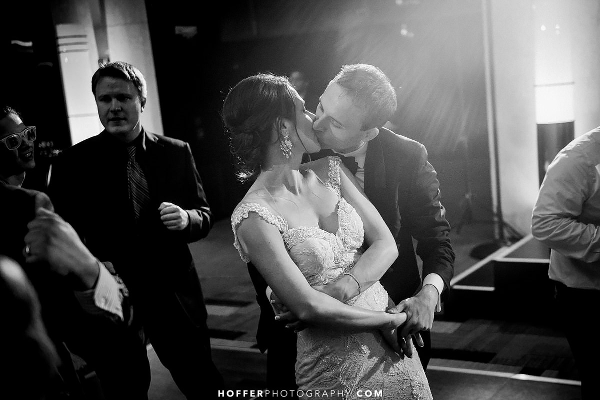 Kimpel-Philadelphia-Loews-Wedding-Photographer-041